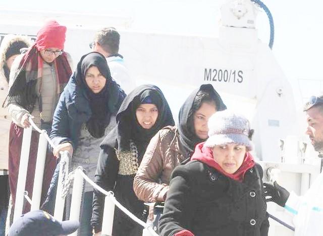 Terzo gruppo di profughi siriani: 81 persone sbarcate a Fiumicino