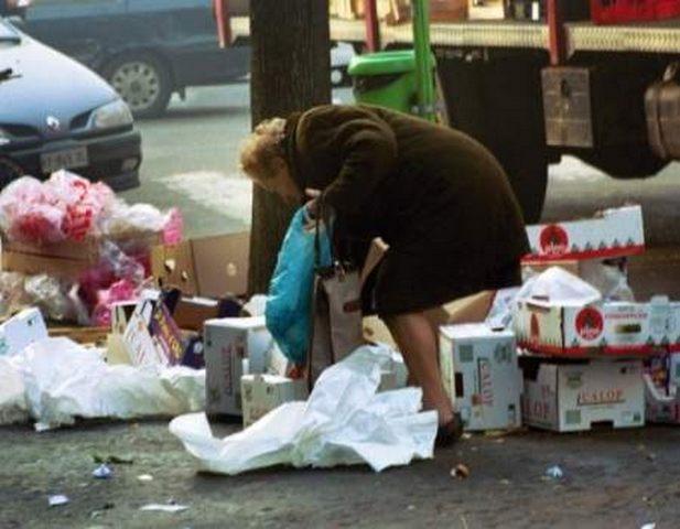 Santa Marinella, tagliati i contributi ai bisognosi: è polemica