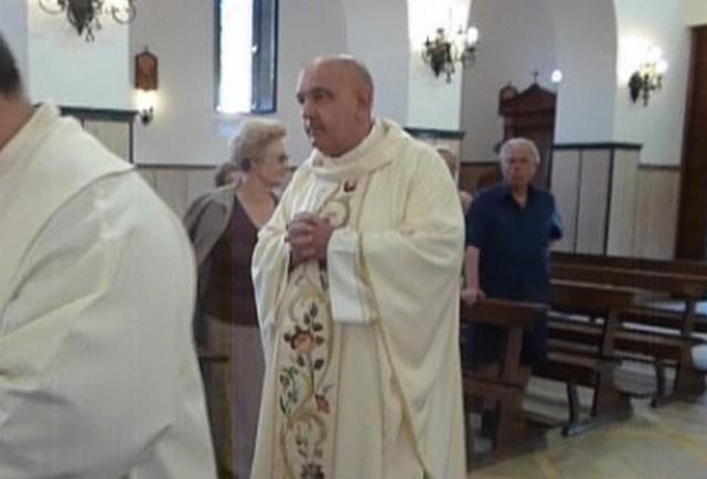Migliorano le condizioni di salute del parroco don Alberto Mazzola