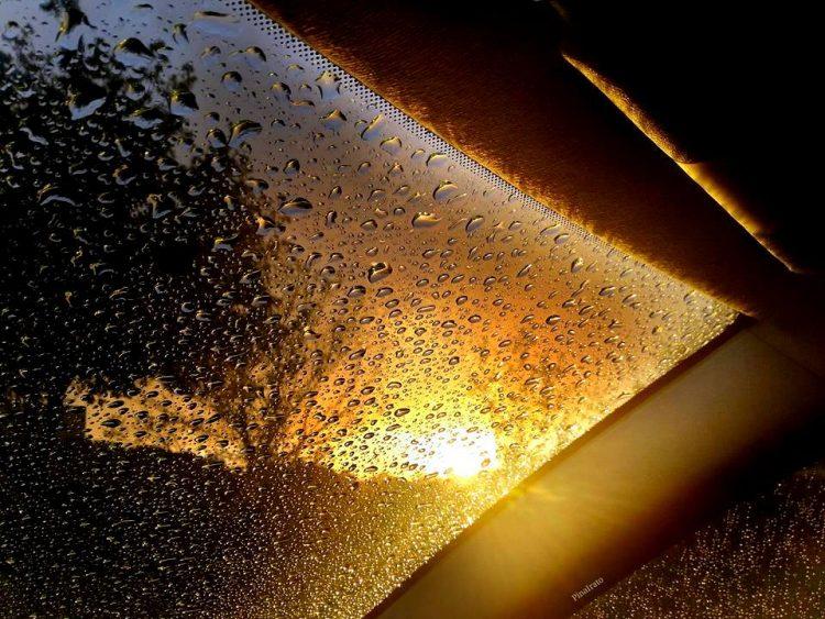 Piove al tramonto (foto Pina Irato)