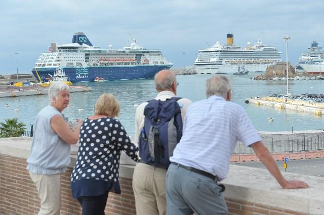 Bilancio, Marino propone la tassa di soggiorno marittima