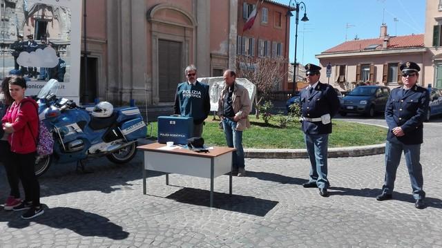 ''Vita da social'': incontro tra studenti del Cardarelli e Polizia
