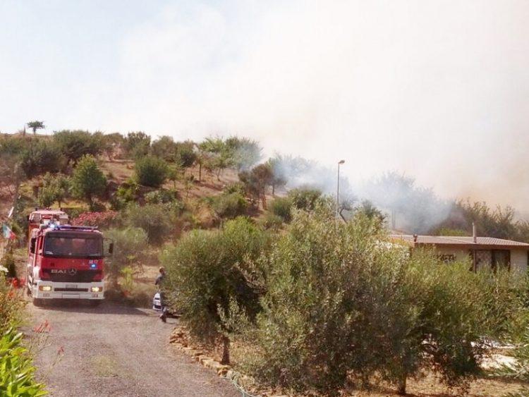 Incendio a Santa Lucia: ore di lavoro per i Vigili del fuoco