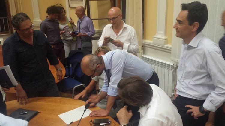 Scarico del carbone, firmata una tregua