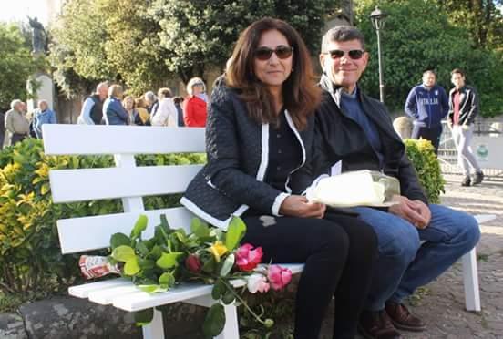 Manziana ha ricordato Marco Vannini: per lui una panchina bianca in piazza Tittoni
