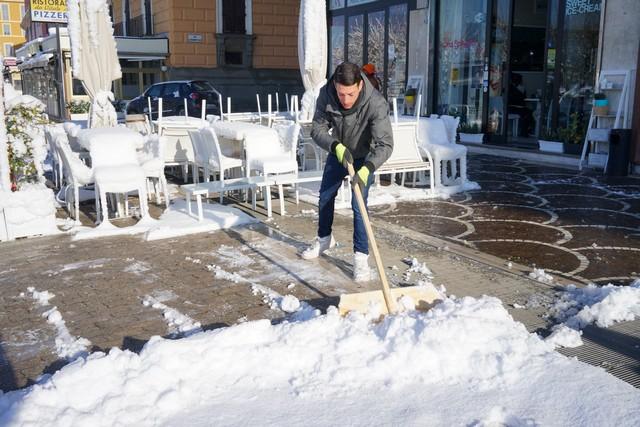 Emergenza neve: a Civitavecchia scuole e uffici chiusi anche oggi