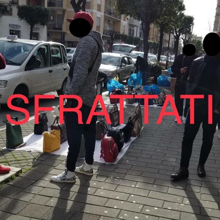 Venditori abusivi sfrattati da viale Itaila