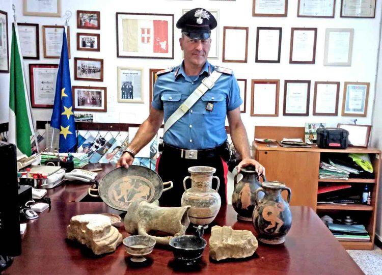 Ricettazione di materiale archeologico: 30enne nella rete dei carabinieri
