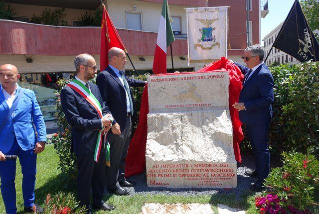 Inaugurato il monumento dedicato agli Arditi del popolo