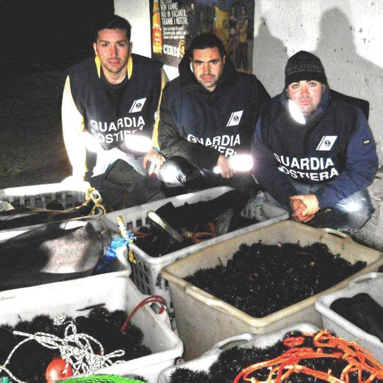 Pesca di frodo a Santa Marinella: sequestrati ricci di mare