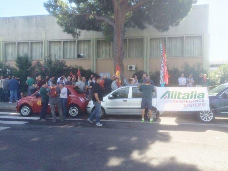 La Holding napoletana Alitech potrebbe salvare dal fallimento Alitalia