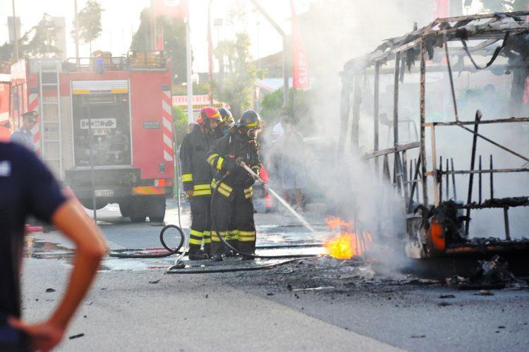 Tpl: autobus in fiamme
