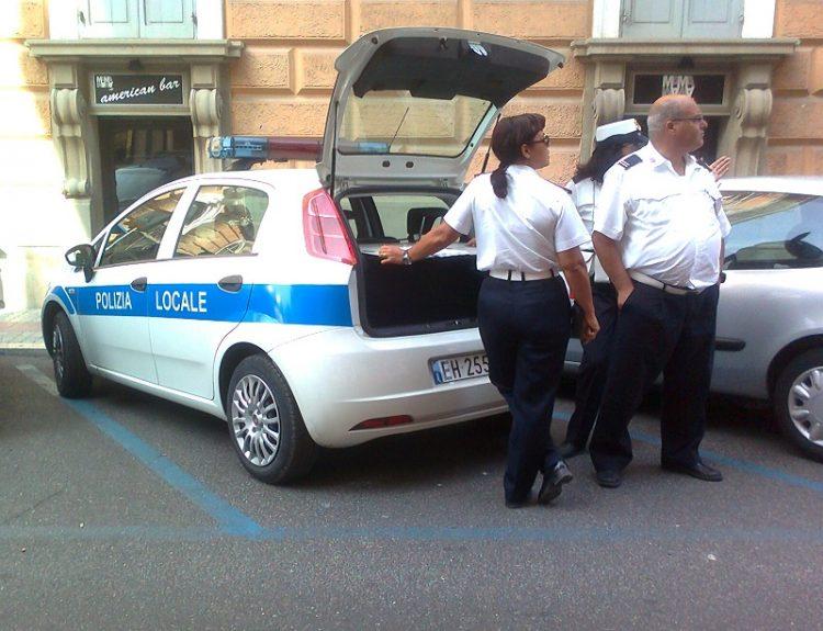 Dehors e movida: controlli della Polizia locale