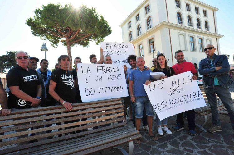 Piscicoltura e tutela della Frasca: consegnate 1700 firme