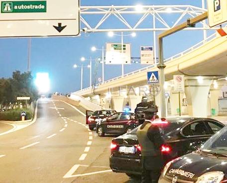 Furti e parcheggio selvaggio in aeroporto