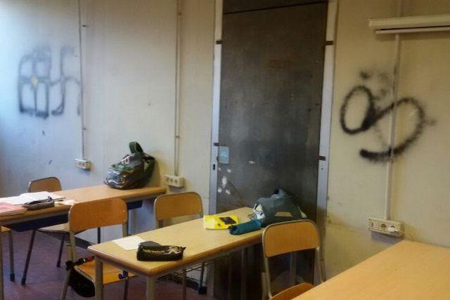 Vandalizzati gli interni di una classe del Marconi