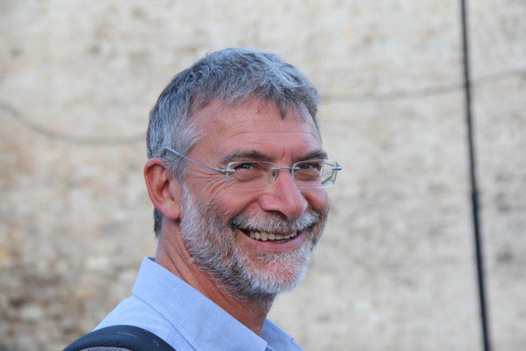Il professor Stefano Vicari parla di autismo, ma c'è chi disdice l'appuntamento