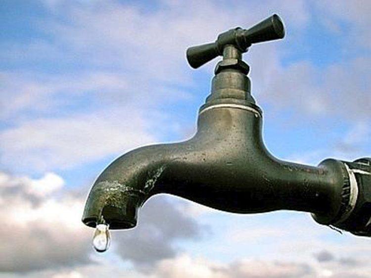 Allumiere, in collina rubinetti a secco