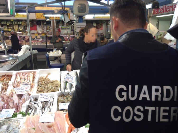 Pesca, sanzioni della Capitaneria per 14 mila euro