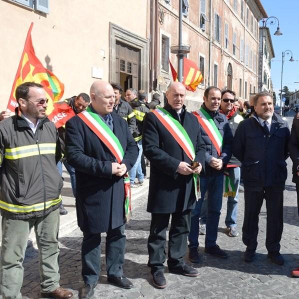 Vigili del fuoco, appello al Governo per un presidio permanente