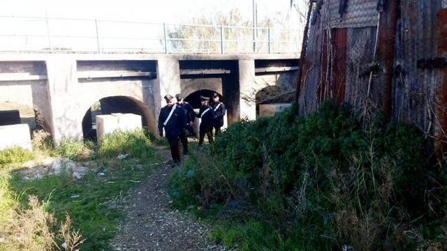 Ladispoli, clochard muore carbonizzato
