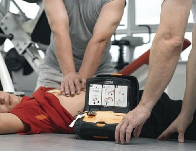 Prorogato il termine per l'obbligo defibrillatore