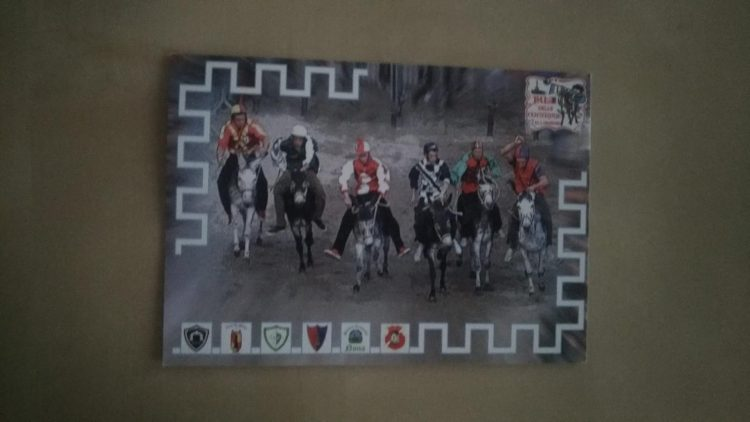 Cartoline del Palio all'ufficio postale di Civitavecchia