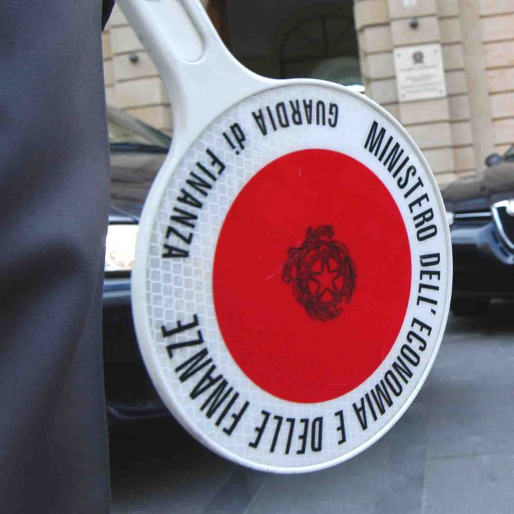 Frode fiscale per 60 milioni di euro: sette arresti a Fiumicino