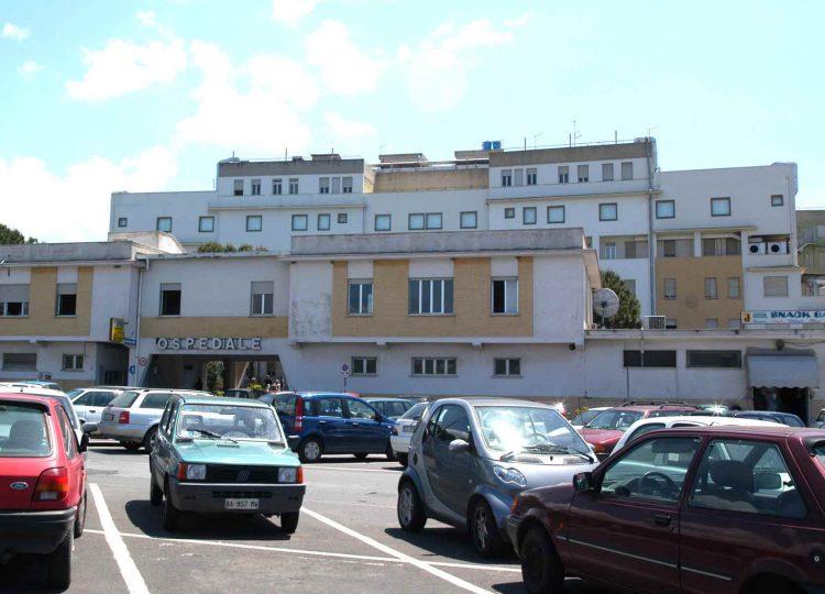 Tribunale ed ospedale: via ai parcheggi blu