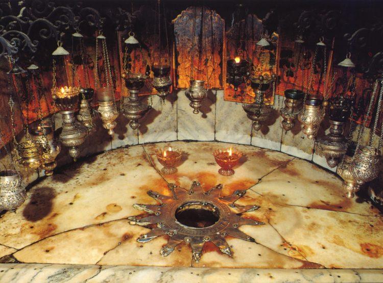 Duomo Tarquinia, una veglia per accogliere la Luce della Pace di Betlemme