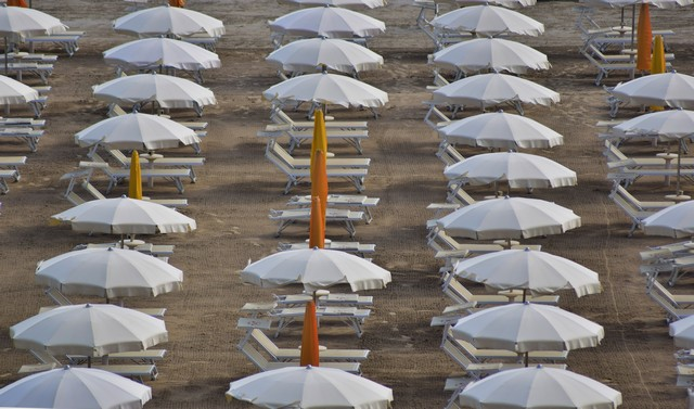 Spiaggia deserta (foto Antonio La Malfa)