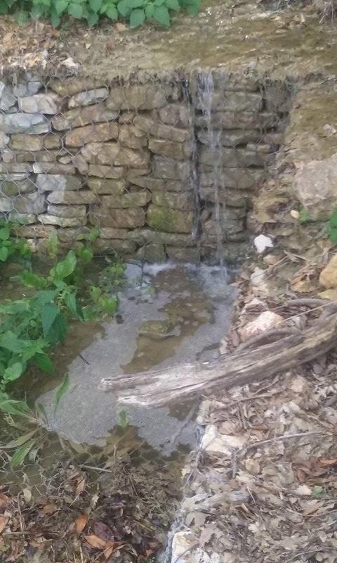 Si rompe il collettore: sversamento di acque fognarie per oltre 10 giorni