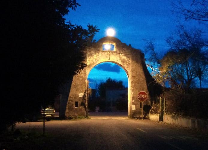 Borgata Aurelia illuminata