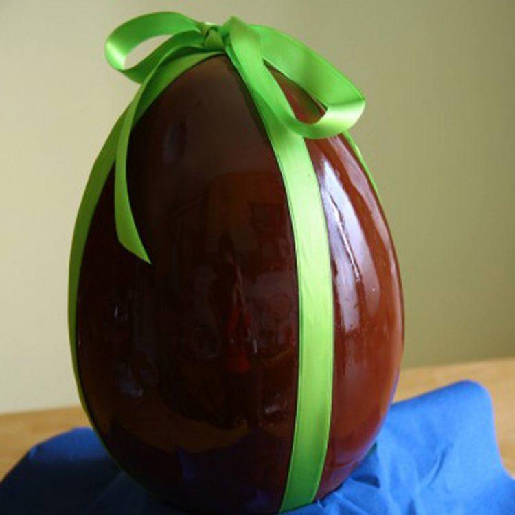 Nell'uovo di Pasqua un'agendina del 2002