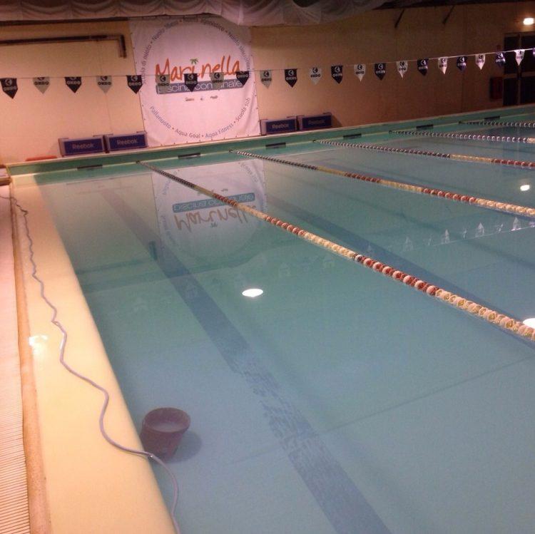 Vernice nella piscina comunale: indagano i Carabinieri