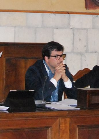 ''Un consiglio comunale urgente per discutere lastrategia politica dell'amministrazione Mencarini''