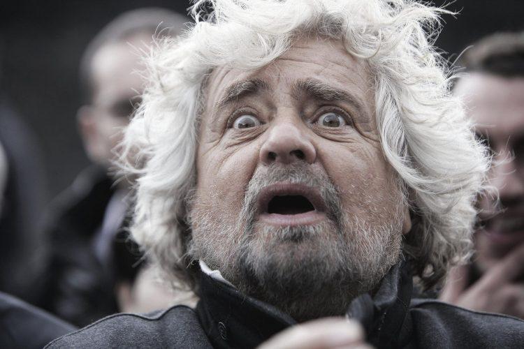 Beppe Grillo: il crematorio ai privati è una cazzata