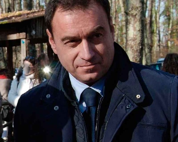 ''Bacocco ritiri le nomine e indica i congressi comunali''