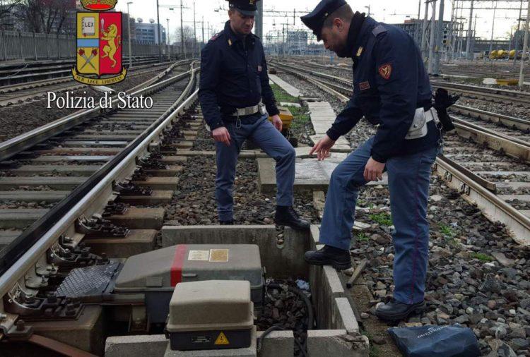 Travolto e ucciso dal treno: ha chiesto informazioni sul convoglio in arrivo poi ha attraversato il binario