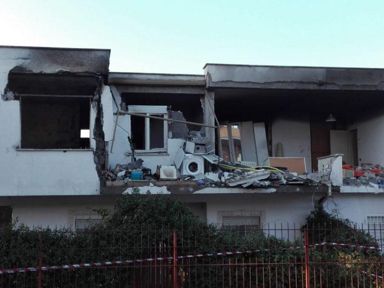 Esplosione in una villetta a Santa Marinella: un morto