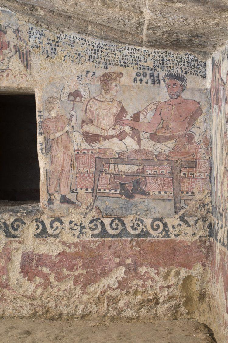 Tarquinia, torna a splendere la Tomba degli Scudi