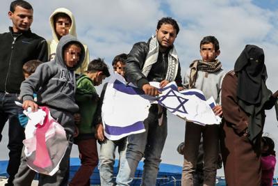Israele ci ripensa, stop ad accordo su migranti