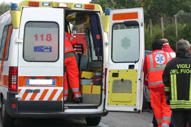 Si impicca al cartello stradale: tragedia sull'autostrada tra Tarquinia e Montalto