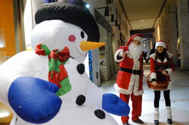 Mercatini e concorsi per illuminare il Natale
