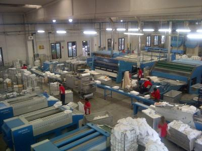 Lavanderie industriali, 102 euro in più nel contratto