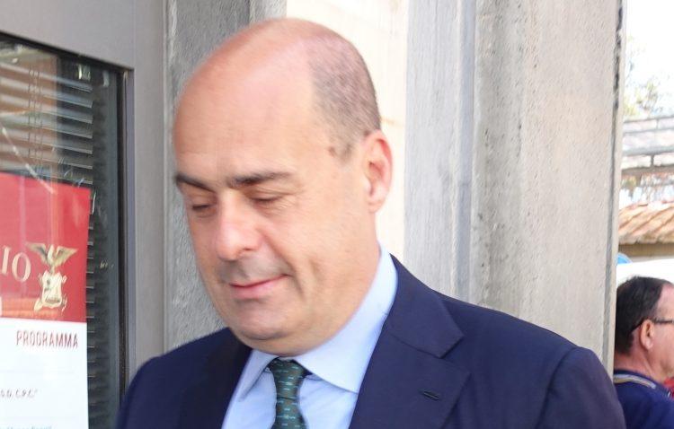 Incendi: Zingaretti chiede lo stato di emergenza al Governo