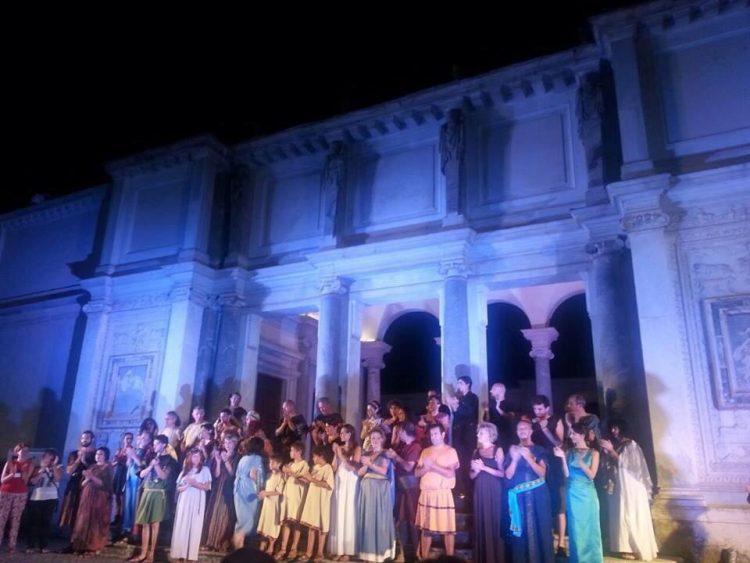 Grande successo delle compagnie teatrali del comprensorio a Villa Giulia