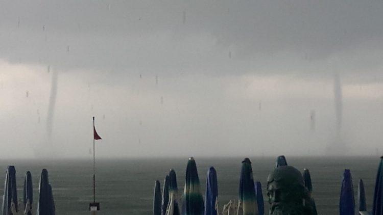 Maltempo, a Ladispoli tromba d'aria e forti piogge: diversi i disagi