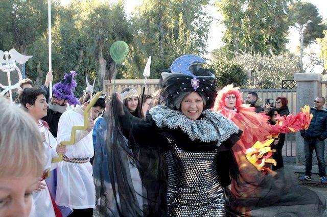Santa Marinella, una grande festa con centinaia di maschere