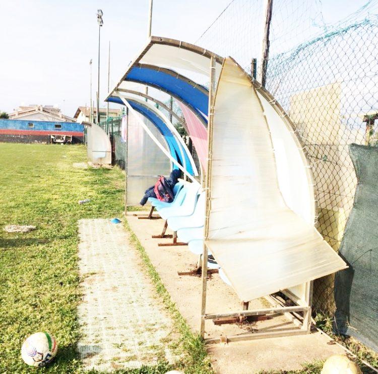 Focene, devastato il campo sportivo